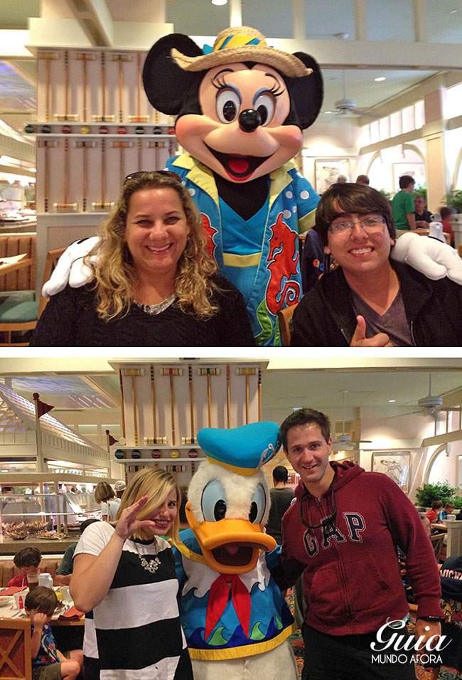 Mãe e irmão com Minnie, eu e marido com Pateta.