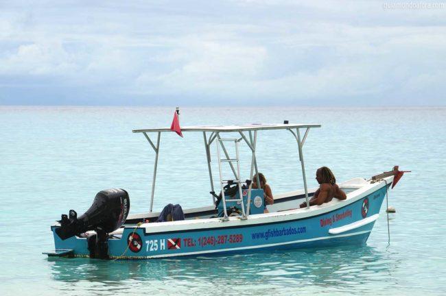 barco de mergulho em Barbados