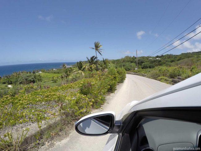 ruas-barbados-min-650x488 Vale a pena alugar carro em Barbados?