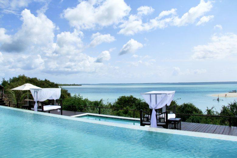 piscina de hotel em Zanzibar