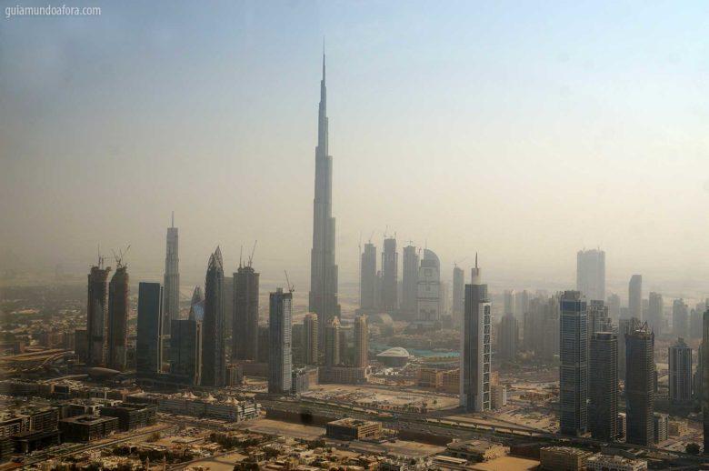 burj-khalifa-heli-dubai-780x518 Visto de Dubai para brasileiros - agora é gratuito e já está valendo!