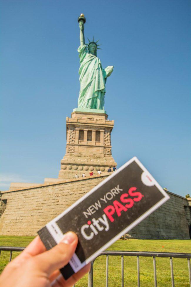 Estátua da Liberdade com CityPASS em Nova York
