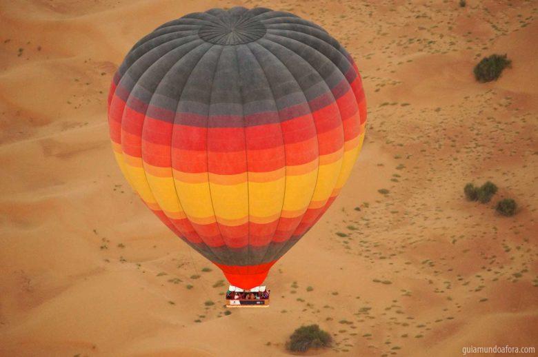 balao-dubai-min-780x518 Passeio de balão em Dubai com safari: imersão no deserto!