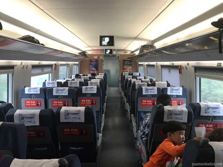 interior-trem-china-min-780x585 Trem na China: como comprar passagens e porque você deve usar!