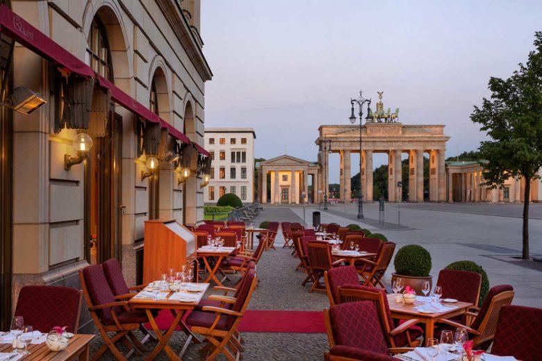 Restaurant-Quarr-Terrace_18300_Original-min-780x520 Restaurante em Berlim com vista: Quarré, no famoso Adlon Kempinski