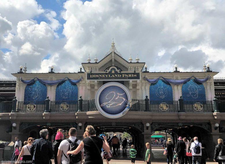 disneyland-paris-25anos-min-780x571 Disneyland Paris: 7 passos para organizar sua visita!