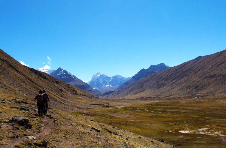 inicio-trilha-780x511 Trilha Ausangate e Vinicunca (dia 2): o lodge mais alto do mundo