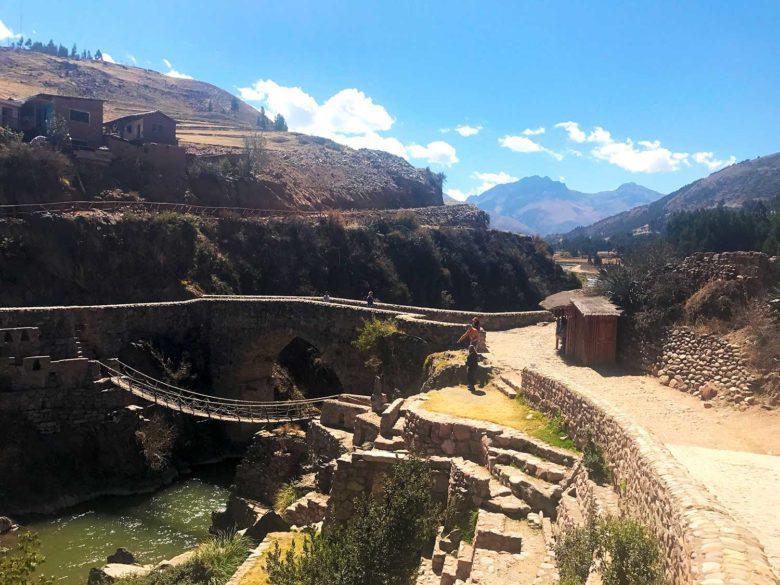 ponte-inca-1-780x585 Trilha Ausangate e Vinicunca (dia 1): aclimatação no Peru