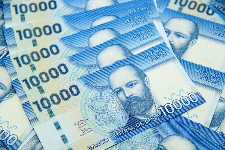 peso-chileno-min-780x520 Moeda do Chile: onde trocar dinheiro em Santiago? Levo Real?