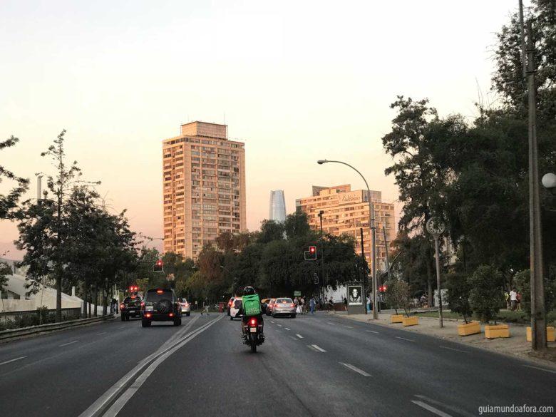 rua-santiago-min-780x585 Transporte em Santiago: Uber, Táxi ou metrô? (com preços!)