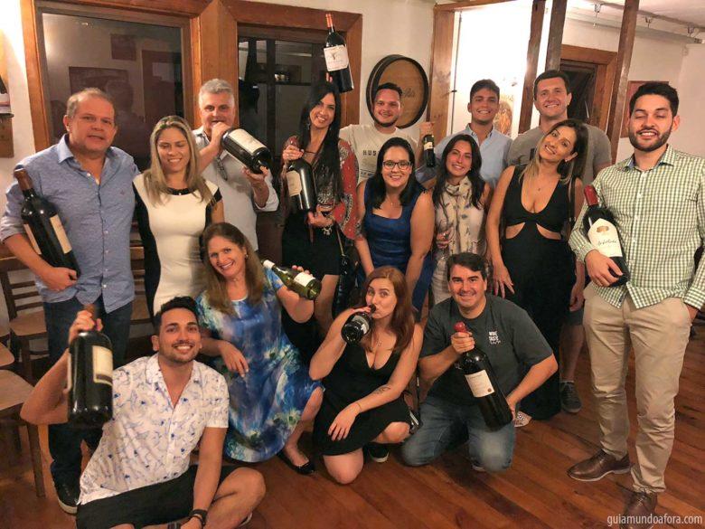 grupo-curso-vinhos-min-780x585 Mini curso de vinhos em Santiago em português: Wine Taste 360