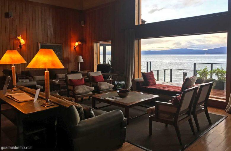recepcoa-los-cauquenes-min-780x510 Hotel em Ushuaia Los Cauquenes - aconchego no fim do mundo