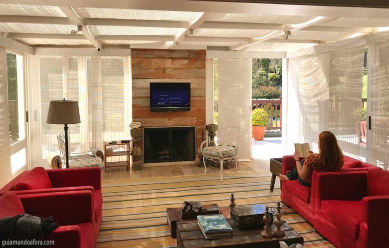 sala-roots-min-780x497 Hotel romântico em Monte Verde: Roots Resort